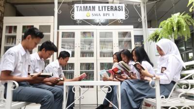 Literasi Digital Taman Literasi SMA BPI 1 class=